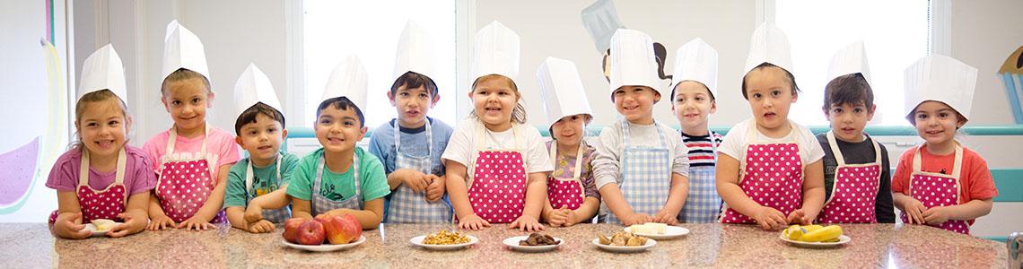 Araştırmacılara göre 2 ile 5 yaş arasındaki çocukların %10'u ve 6 ile 11 yaş arasındaki çocukların %20'si obez görünüyor.